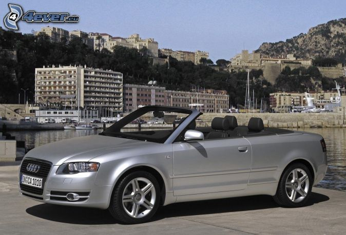 Audi A4, kabriolet, prístav, domy