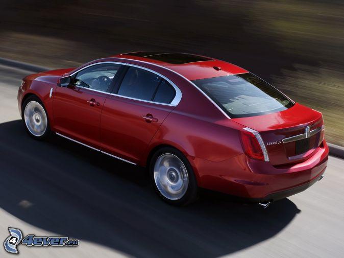Lincoln MKS, rýchlosť