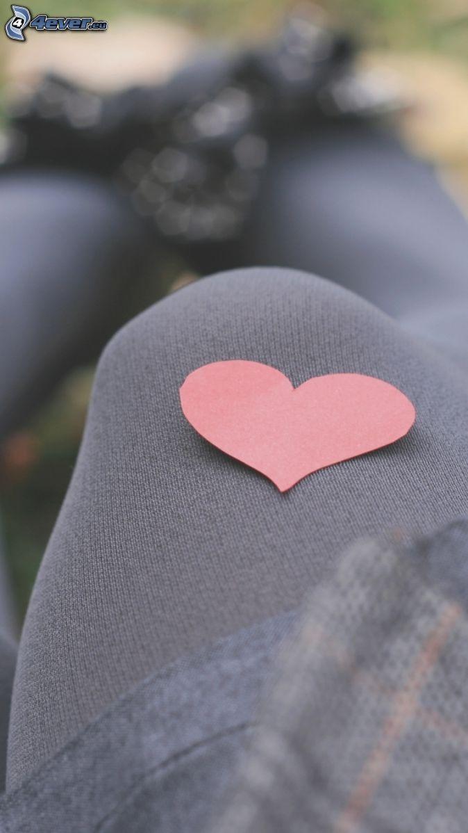 papierové srdce, noha