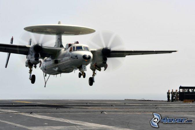 Grumman E-2 Hawkeye, pristávanie