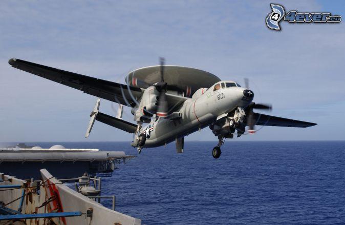 Grumman E-2 Hawkeye, šíre more