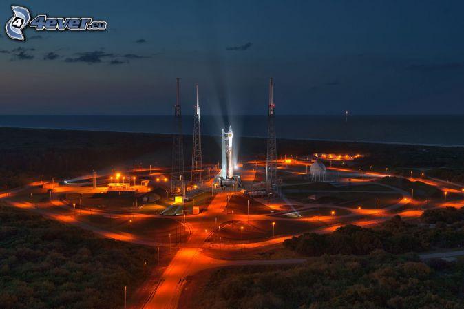 Atlas V, štart rakety, more