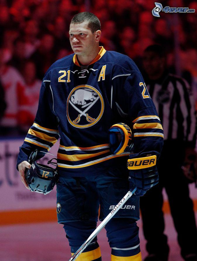 Kyle Okposo, hokejista