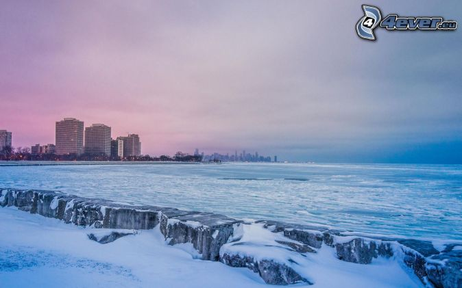 Chicago, more, po západe slnka