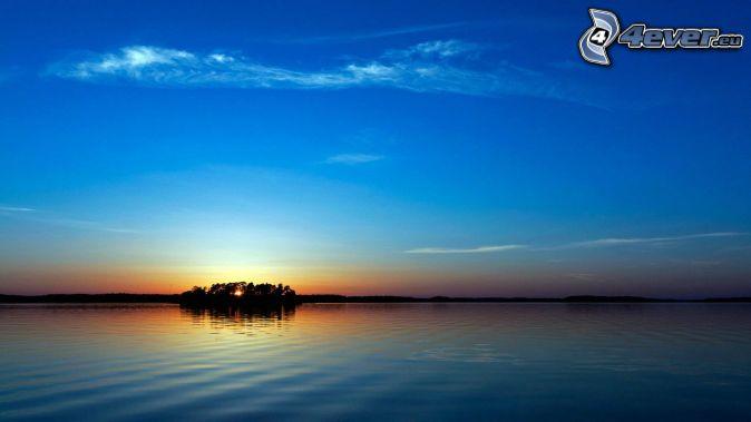 západ slnka za morom, ostrov