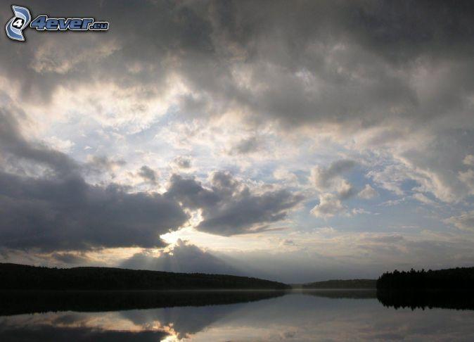 jazero, oblaky