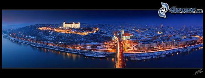 nočná Bratislava, Nový Most, Bratislavský hrad, Katedrála svätého Martina, Dunaj