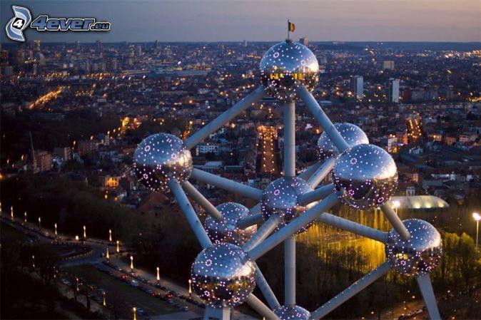 Atomium, Brusel, večerné mesto