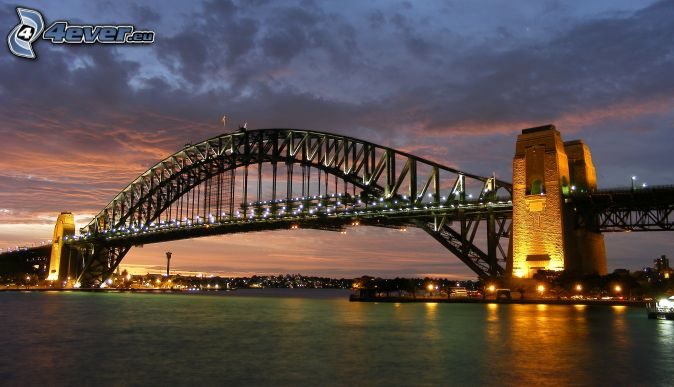 Auckland Harbour Bridge, osvetlený most, večer