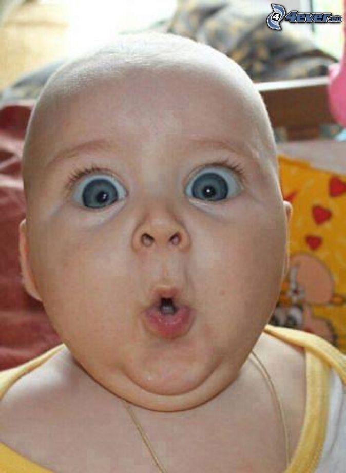 bábätko, veľké oči, grimasy