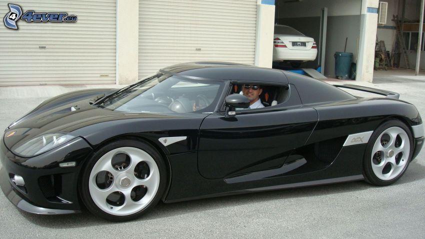 Koenigsegg CCGT, garáže