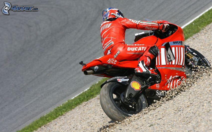 Ducati, motorka, kamene