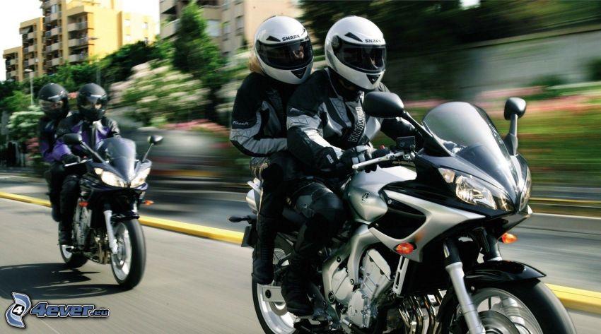 motorkári