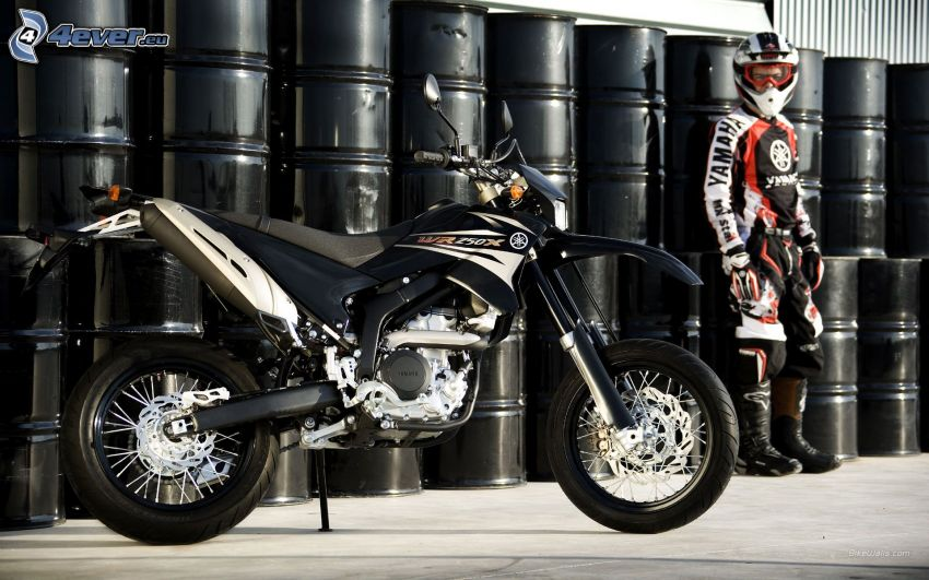 Yamaha WR125, motorkár, sudy