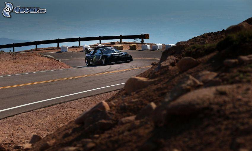 Ford, pretekárske auto, cesta