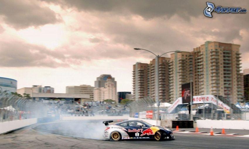 Hyundai Genesis Coupé, pretekárske auto, drift, pretekársky okruh, dym