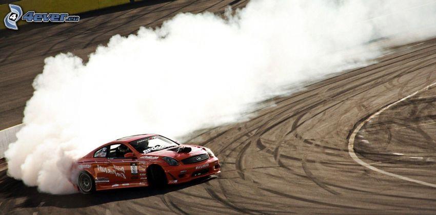 Infiniti G35, pretekárske auto, drift, dym, pretekársky okruh