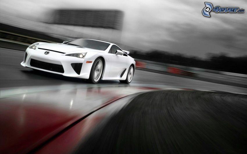 Lexus LFA, rýchlosť, pretekársky okruh