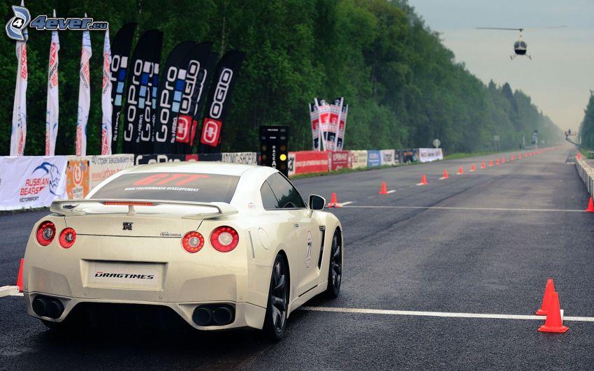 Nissan GT-R, štartovacia dráha