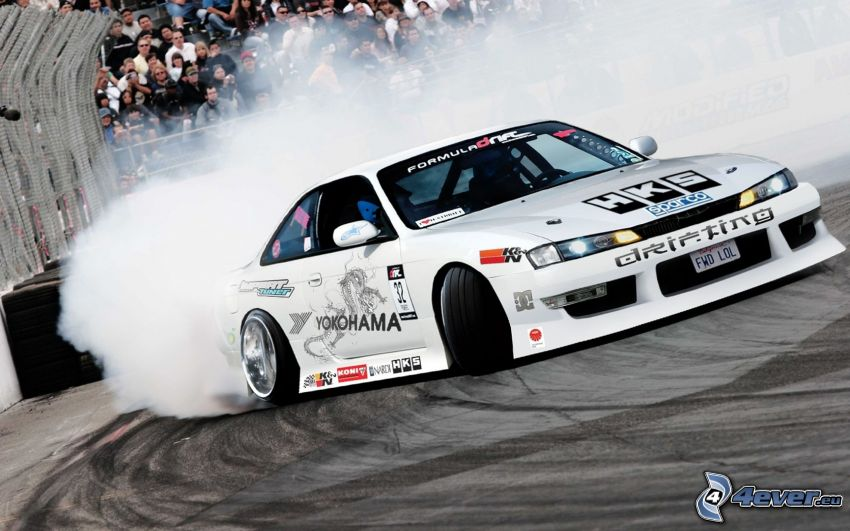 Nissan Silvia, pretekárske auto, drift, dym, lowrider