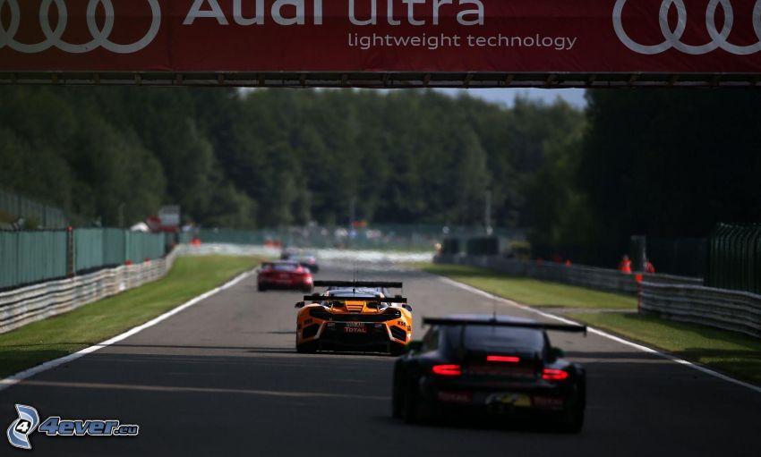 Porsche, preteky, pretekársky okruh