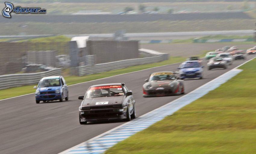 preteky, pretekárske auto, pretekársky okruh