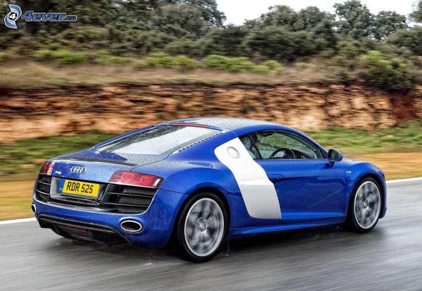 Audi R8, dážď, rýchlosť