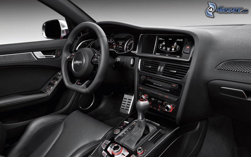Audi RS4, interiér, palubná doska, volant