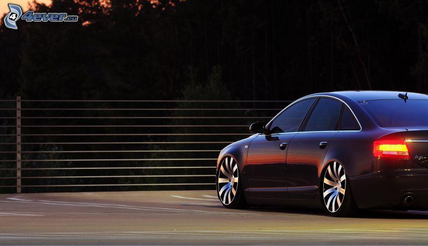 Audi S6, zábradlie, zadné svetlo