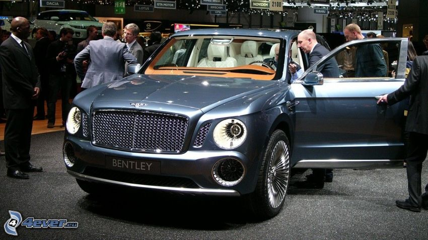 Bentley EXP 9F, výstava, autosalón