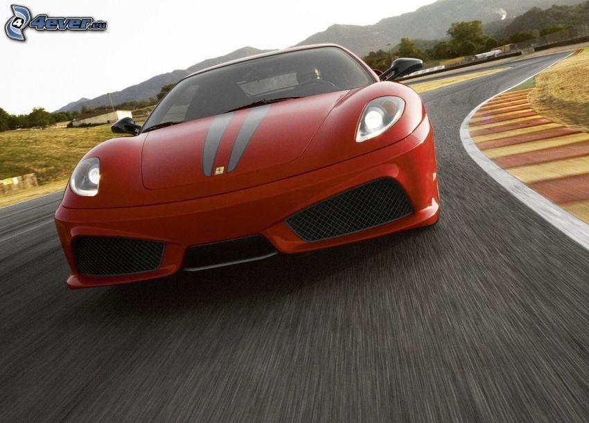 Ferrari F430 Scuderia, pretekársky okruh, rýchlosť