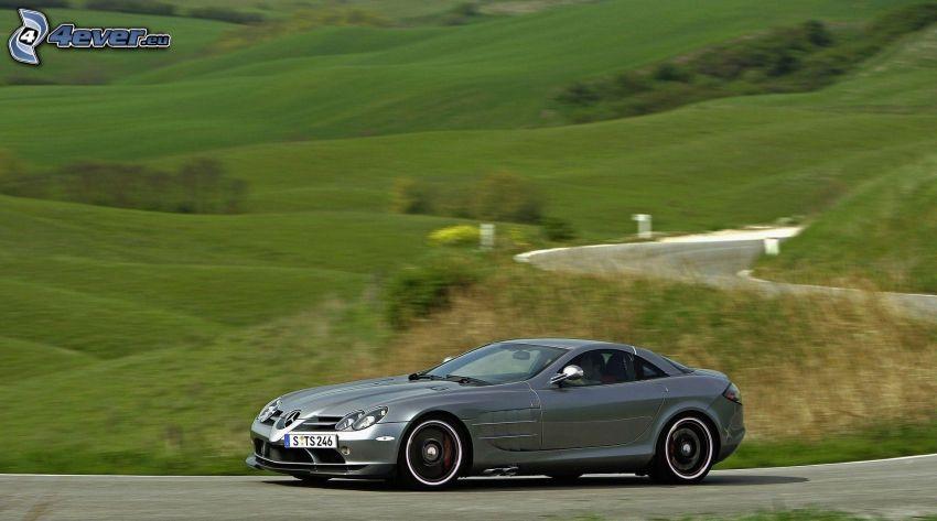 Mercedes-Benz SLR McLaren, cesta