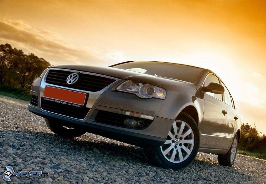 Volkswagen Passat, oranžová obloha