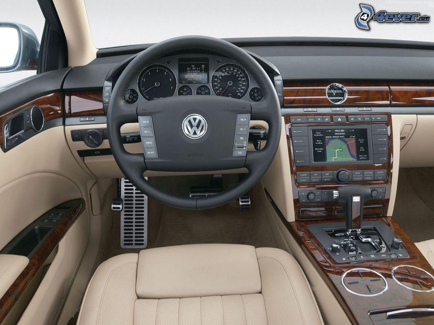 Volkswagen Phaeton, interiér, volant, palubná doska