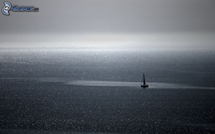 loďka na mori