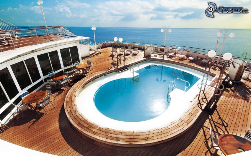 luxusná loď, bazén, more
