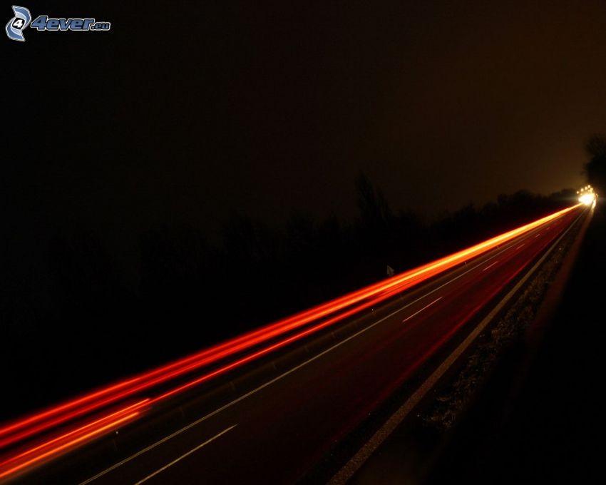 nočná cesta, svetlá