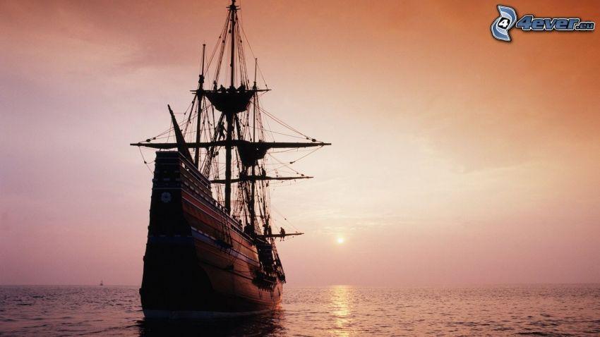 plachetnica, loď, západ slnka za morom