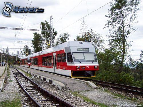 lokomotíva, vlak