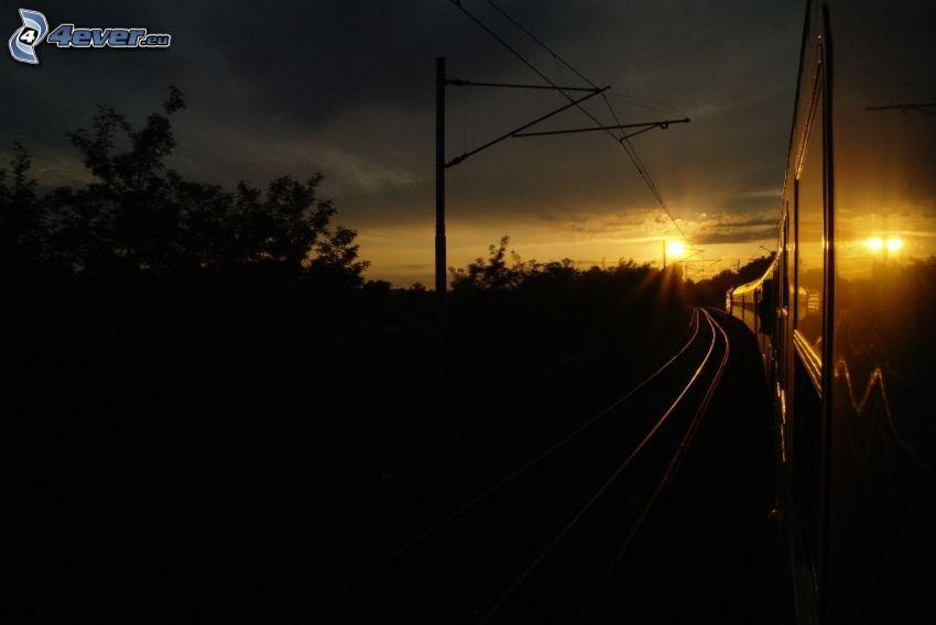 vlak, rýchlik, západ slnka