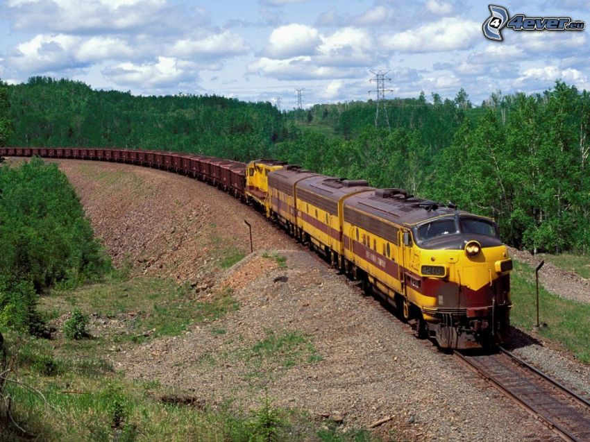 vlak, stromy, oblaky