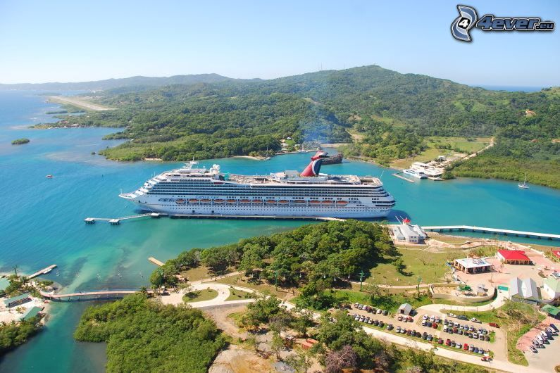 výletná loď, kopce, parkovisko, more