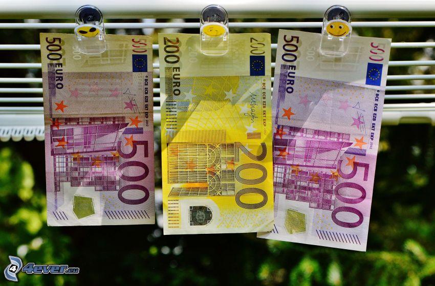 bankovky, peniaze, šnúra, smajlíky