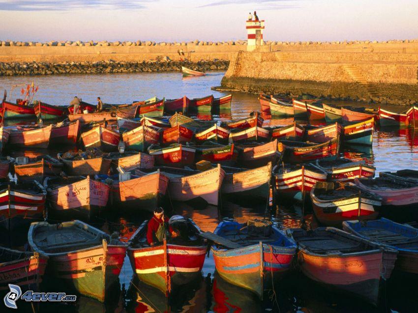 člny, prístav