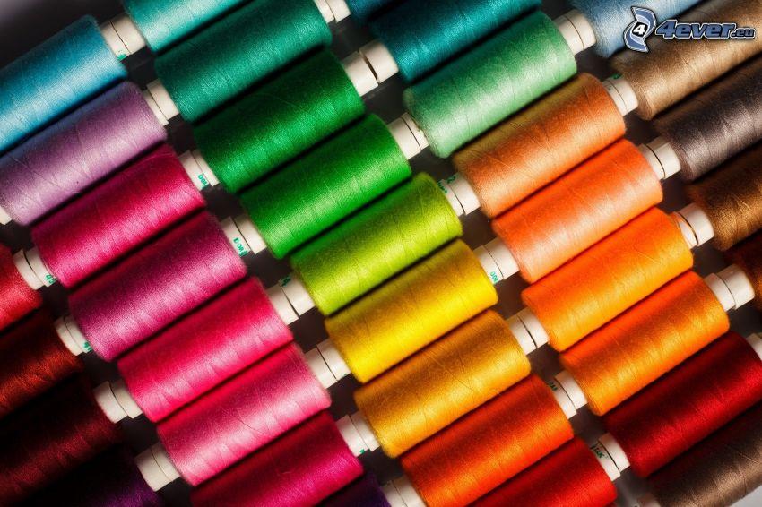 farebné nitky