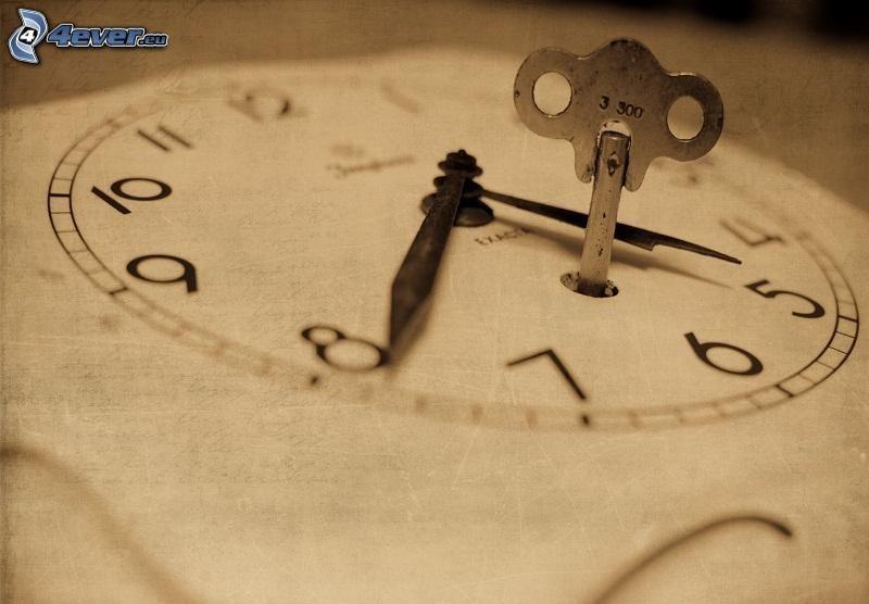 historické hodinky, kľúč
