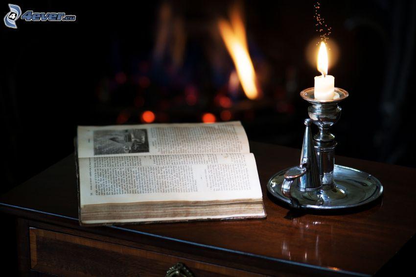 kniha, sviečka