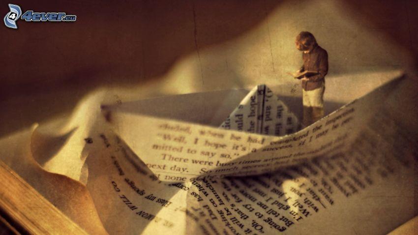 loďka z papiera, chlapec, stará kniha