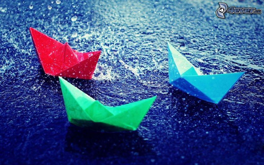 papierové loďky, voda