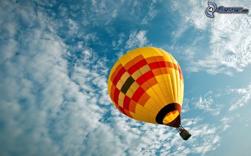 teplovzdušný balón, oblaky